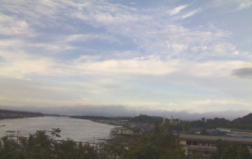 In Bandar Seri Begawan at 7 a.m. In the distant is the Kampong Tamoi Mosque