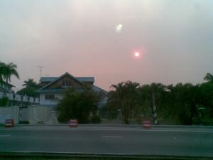 The red sun at around 5:30 pm on Tuesday, 4 August 2009 in Gadong